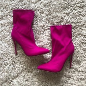 Shoedazzle Hot Pink Bootie! Size 10.